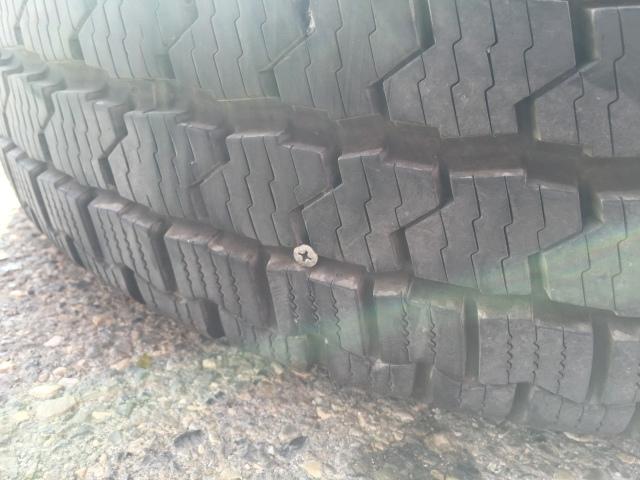 Schraube im Reifen